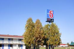 Motel 6 Bangor, 1100 Hammond Street, 04401, Martells Mobile Home Court
