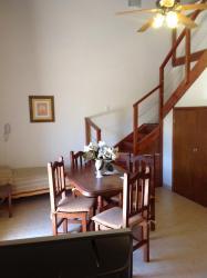 Los Jazmines Alojamiento Familiar, Paseo 102 335 entre av 3 y av 4, 7165, Villa Gesell