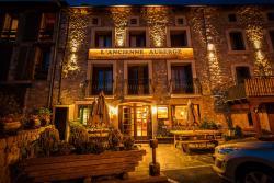 Hotel L'ancienne Auberge, Rue De L'evêque., 66210, Bolquere Pyrenees 2000
