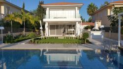 Paradise Villa, Ammouliani Gardens Villa 10 Faros Avenue, 7560, Perivolia