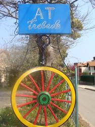Apartahotel Trébede, Carretera de La Playa, s/n, 33595, Barro de Llanes