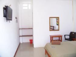 Eddy s Hostal, Av. 2da. y Calle 8va a dos cuadras del Ma, 241701, Ballenita