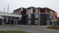 Best Western Plus Chestermere Hotel, 200 Marina Drive, T1X 1N2, Chestermere