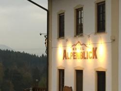 Hotel Alpenblick, Persdorf 3, 83083, Riedering