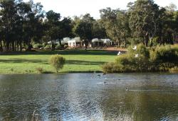 Lakeview Lodge, 131 Lakeview Drive, Gidgegannup, 6083, Stoneville