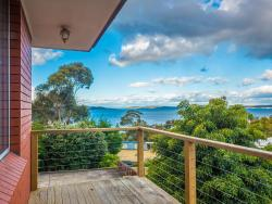 Family Home at Kingston Beach, 1/49 Kunama Dr, Kingston, 7050, Hobart