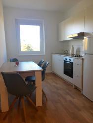 Apartment Living Leipzig, Straße des Friedens 14, 04552, Großzössen