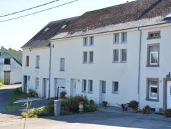 Holiday home Aux Hirondelles,  6630, Radelange