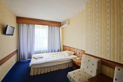 Grand Hotel Kazanluk, Sevtopolis Sq. No 1, 6100, Kazanlŭk