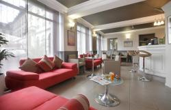 Qualys-Hotel de Gramont, 3, Place Gramont, 64000, Pau