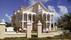 Oceanspray Beach House, Eastern Road (Yamacraw Beach), house# 3,, Winton Heights