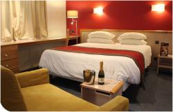 Hotel Du Commerce Spa, 2, Av. De Boulogne, 31800, Saint-Gaudens