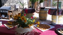 Le Clos des Aramons, 11 Place du Jeu de Ballon, 30620, Bernis