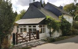 Two-Bedroom Holiday Home in Le Croisty,  56540, Le Croisty