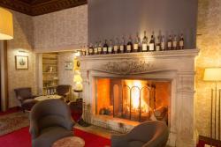 Hôtel Relais d'Aumale, 37 Place Des Fêtes Henri Delaunay, 60560, Orry-la-Ville