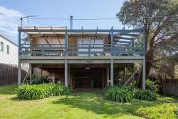 Canterbury Jetty Road - with wrap around deck, 132 Canterbury Jetty Road, 3942, Blairgowrie
