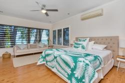 Seascape Luxury Beachfront House, 11 Arlington Esplanade, 4879, Clifton Beach