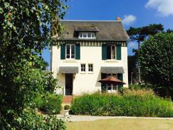 Maison de charme Deauville Normandie, 13 Rue de la Garenne, 14910, Bénerville-sur-Mer