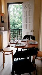 Queen Apartment, 3rd Floor of Café Carmelas, Washington Street, 7200, Cogon