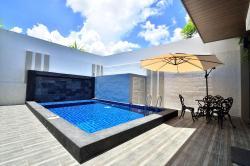 Violet Luxury Service Villa, No 15, Residensi Telok Bahang Solok Teluk Awak, 11050, Teluk Bahang