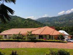 Casa Campestre Condominio Bellavista, Via Nacional Bogota - Villeta, 253637, Tobia