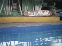 Cabinas Oasis, Costanera (central Puntarenas), 500 metros al sur del Hotel Hilton (antiguo Hotel Fiesta),, El Roble