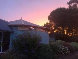 A Victor Harbour Retreat Aldinga-The Round Cottage, Unit 1, 359 Aldinga Road, 5172, Aldinga