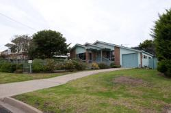 Elizabeth Lodge, 81 Lakeside Dr, 3909, Lake Tyers