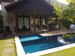 Casa Luxo, Rua João Jorge Pio 7, 88334-150, Camboriú