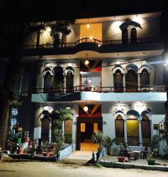 Hotel Durag Vilas, House No 1 Near K N Hall Girls College Raikabagh, 342006, Mahāmandir