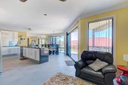 Sapphire Seaside Beach House, 50 Warrawee Street, 2450, Sapphire Beach