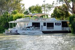"""Boats and Bedzzz"" and ""Renmark River Villas"", 42 James Avenue, 5341, Renmark"