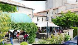 Logis Hostellerie de l'Abbaye, 1 Place des Epoux Laurant, 79370, Celles-sur-Belle