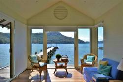 Breathtaking, private, luxury home on Pittwater, Towlers Bay Trail, 2084, Morning Bay