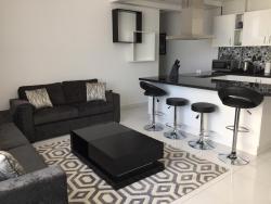 Espace Holiday Homes - Giovanni Boutique Suites 6, Sport City , Dubai,, Dubaï