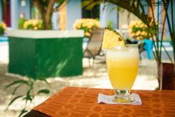Hotel Marino Lodge CR, De la escuela La Flor de Bahia 50 mt este y 25 norte., 00001, Uvita