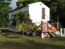 Malacate Beach Cottage, 18 A Palm Lane,, Mango Creek