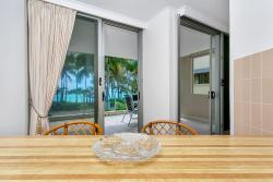 Paringa Beachfront Apartment, 65 Williams Esplanade, 4879, Palm Cove