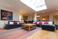 3 Bedroom Penthouse, 47 rue du Lombard 4th floor, 1000, Brussels