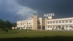 Ineia Palace Hotel, Rodovia BR 364 KM 300 Acesso Principal de Mineiros, 75830-000, Mineiros