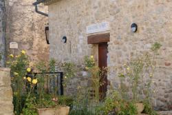 Auberge de l´Abbaye, Place du village, 04230, Cruis