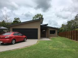 The Whitsunday Holiday House, 28 Waite Creek Court, 4802, Cannonvale