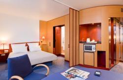 Novotel Suites Clermont Ferrand Polydome, 52 54 Avenue De La Republique, 63100, Clermont-Ferrand