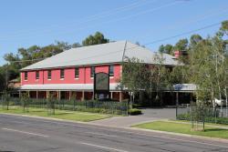 The Lawson Motor Inn, 117-121 Tarcutta Street, 2650, Wagga Wagga