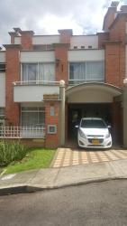 Envigado House 118, 27 Sur135 Carrera 28 Alto Bonito, 055420, Envigado
