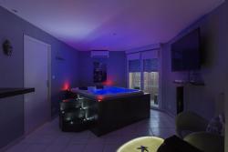 JacuzziSuite Apartment, résidence saint-jacques 125 ter avenue de Fronton, 31140, Fenouillet