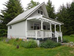 The Cottage, 3525 East Road, V0R 1T0, Denman Island