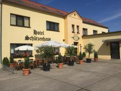 Hotel Schützenhaus, Ernst-Thälmann-Straße 11, 14822, Brück