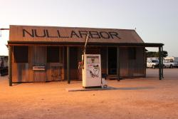 Nullarbor Roadhouse, Eyre Highway, 5690, Nullarbor