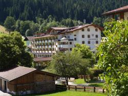 Landhotel Tirolerhof, Kirchen, Oberau 275, 6311, Όμπεραου